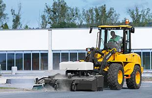 Очистка, подметание и мытье основания асфальта, дорог, тротуара, бордюров; подметание территории уборочной машиной